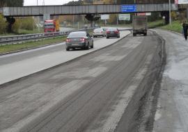 Более 50% свердловских дорог не соответствуют нормам