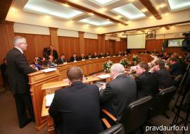 Дума Екатеринбурга оценила борьбу с грязью в 2 миллиарда рублей