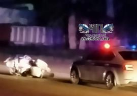 В Челябинске девушка на иномарке насмерть сбила полицейского на мотоцикле