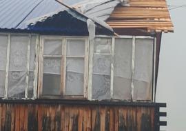 Жители ХМАО лишились крыши в отремонтированном доме