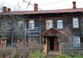 Управляющие компании массово отказываются от обслуживания старых домов в Нижней Туре