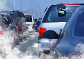 Челябинское Минэкологии обвинило в загрязнении воздуха автомобилистов