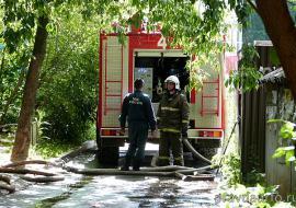 В Пионерском поселке Екатеринбурга ликвидировали крупный пожар