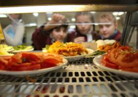 Счетная палата проверит организацию питания в школах Екатеринбурга