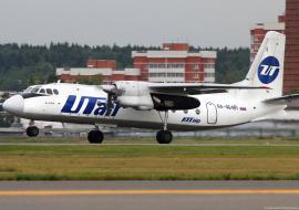 «ЮТэйр» перенес вылет самолета из Сургута из-за неполадок в двигателе