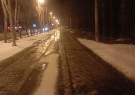 В Екатеринбурге из-за аварий на сетях МУП «Водоканал» затопило улицу на ЖБИ