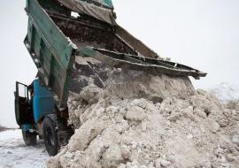 В Челябинске коммунальщики организовали снежный полигон в жилом микрорайоне
