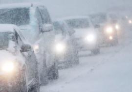 Снегопад остановил общественный транспорт в Курганской области