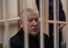 Суд оставил под арестом экс-главу Челябинска Тефтелева