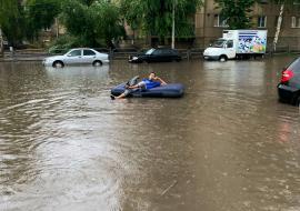 Центр Кургана ушел под воду из-за ливня
