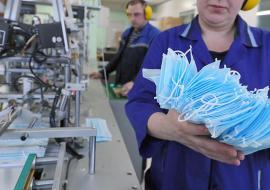 Куйвашев заявил об организации в Екатеринбурге крупного производства медицинских масок