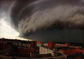 МЧС предупредило о надвигающемся на Свердловскую область урагане