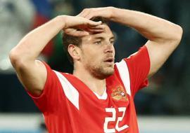 После победы сборной России над Испанией в Екатеринбурге появился Артем Дзюба