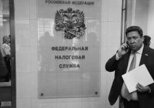 Сотни бюджетных миллионов осели у партнеров владельца банка «Югра»