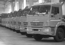 ОПГ из Татарстана разоряет авторынок Тюмени и Челябинска. ФСБ и СКР вскрыли поставки тысяч нелегальных «КамАЗов»