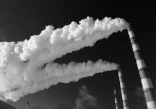 В большей части Екатеринбурга жить нельзя. Загрязненная атмосфера и шум выдавливают покупателей недвижимости из города