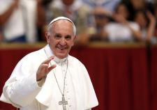 Папа Римский считает католиков виноватыми перед геями