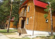 В Каменске-Уральском закрыли лагерь из-за удара ребенка качелями