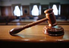 В Свердловском облсуде прошли прения по делу об убийстве отцом 5-летней девочки