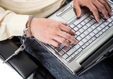 Россиянам разрешили требовать компенсацию за оскорбление в соцсетях