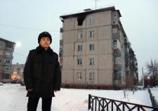 Тюменские полицейские спасли мужчину из горящей квартиры