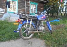 В Тобольске школьницы угнали мопед и попали в ДТП