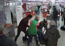 В Екатеринбурге работница «Монетки» остановила покупателя приемом дзюдо
