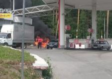 Во время пожара на АЗС в Екатеринбурге пострадало 3 человека
