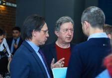 Чиновники и эксперты Екатеринбурга назвали минусы цифровизации в политике