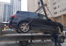 У экс-предпринимателя из Екатеринбурга за долги забрали «Порш Каен»