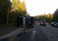 На Егоршинском подходе опрокинулся грузовик