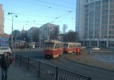 В Екатеринбурге с рельсов сошел трамвай. Движение по проспекту Ленина парализовано