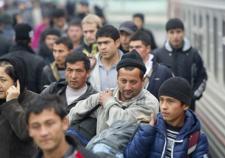 В Тюмени 25-летняя девушка поставила на фиктивный учет 16 мигрантов
