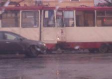 В Челябинске столкнулось два трамвая
