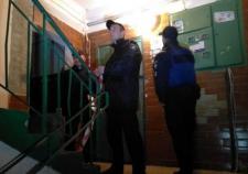 В Екатеринбурге полицейских расстреляли в подъезде жилого дома
