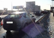В Екатеринбурге на Сибирском тракте после ДТП с маршруткой погибла автоледи