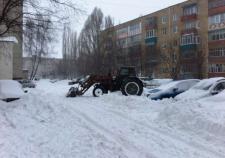 В Екатеринбурге завели «уголовку» на засыпавшего ребенка снегом водителя