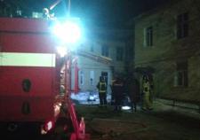 В Свердловской области при пожаре в бараке пострадало 4 человека