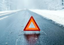 В ХМАО под колесами «КамАЗа» погиб водитель легковушки