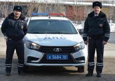 В Свердловской области двое сотрудников ГИБДД спасли 7-месячного ребенка