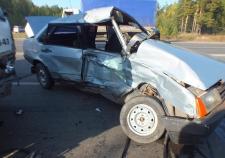 Два человека пострадало при столкновении «ВАЗа» с грузовиком в Кургане