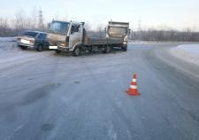 в Свердловской области двое детей пострадало в ДТП с двумя грузовиками