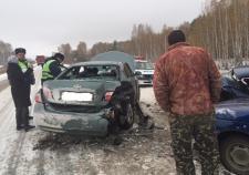 Двое пенсионеров погибло в массовом ДТП в Челябинской области
