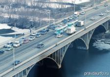 Из-за непредсказуемой погоды утром Екатеринбург встал в пробке