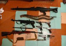 Двух жителей Челябинской области обвинили в незаконном обороте огнестрельного оружия