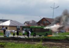 В Тюмени сгорел пассажирский автобус