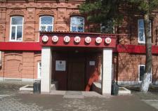 19-летнего жителя Троицкого района заподозрили в поджоге дома односельчанки